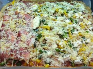 Pizza bevor sie in den Ofen kommt